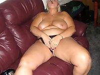 French mature milf playing alone