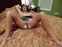 Older whore get undressed