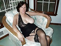 Mature mistress getting naked on cam