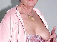 Glamorous mature moms for any taste